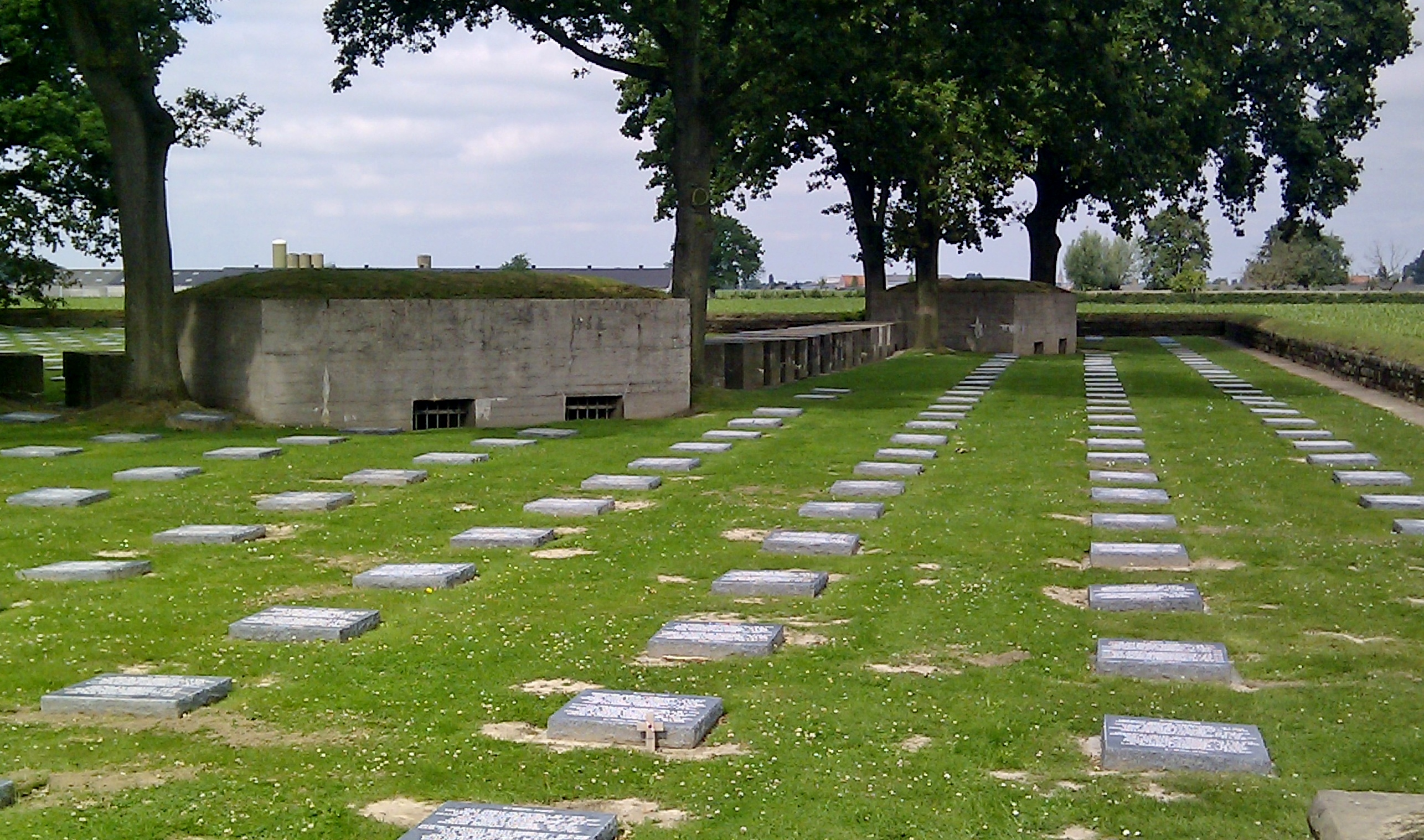 Langemark_German_Cemetery_eastern_side.jpg